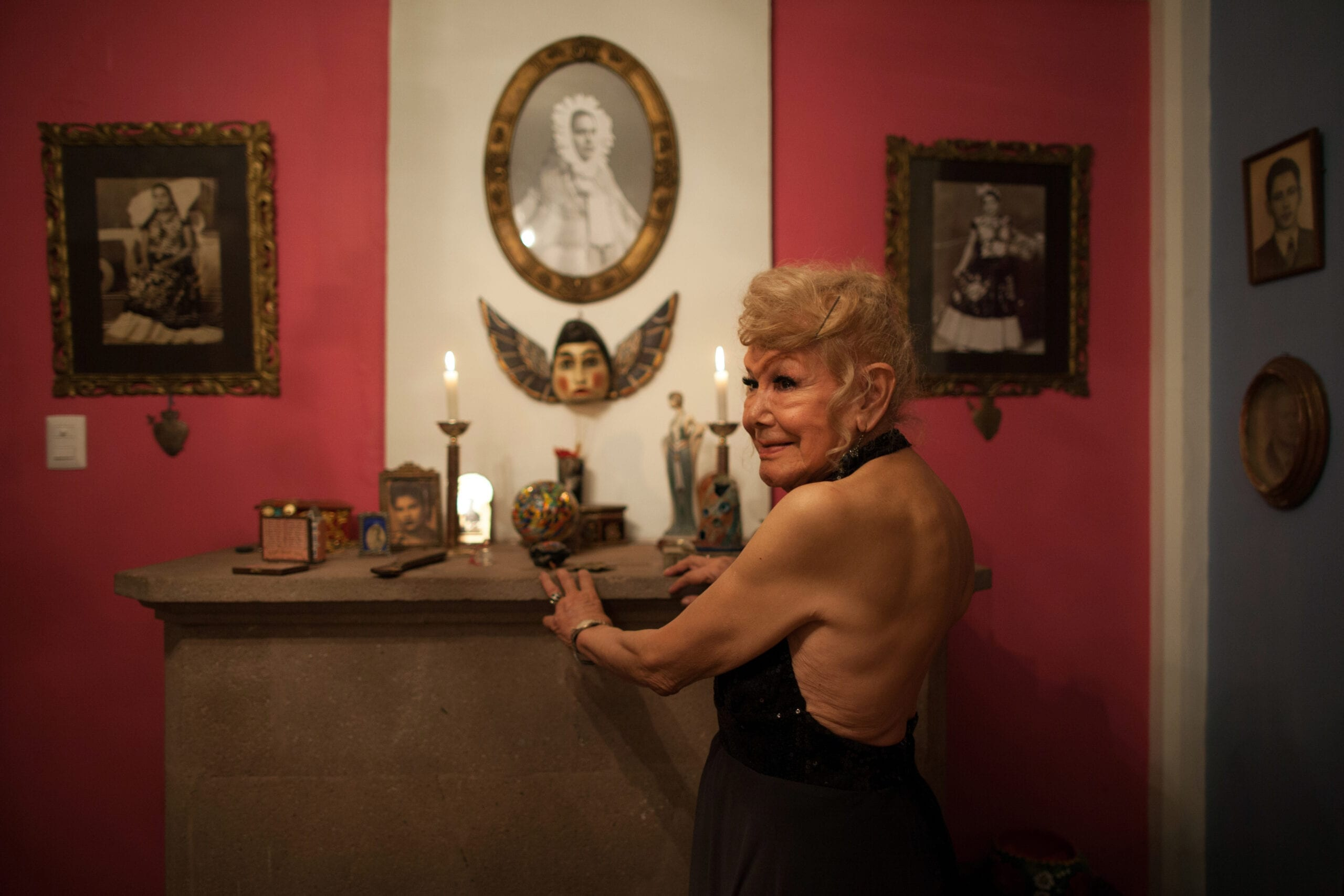 Eighty year old Mexican transgender woman creates a shelter for elderly gays